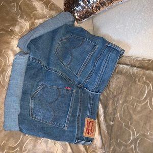 Levi's Shorts - shorts